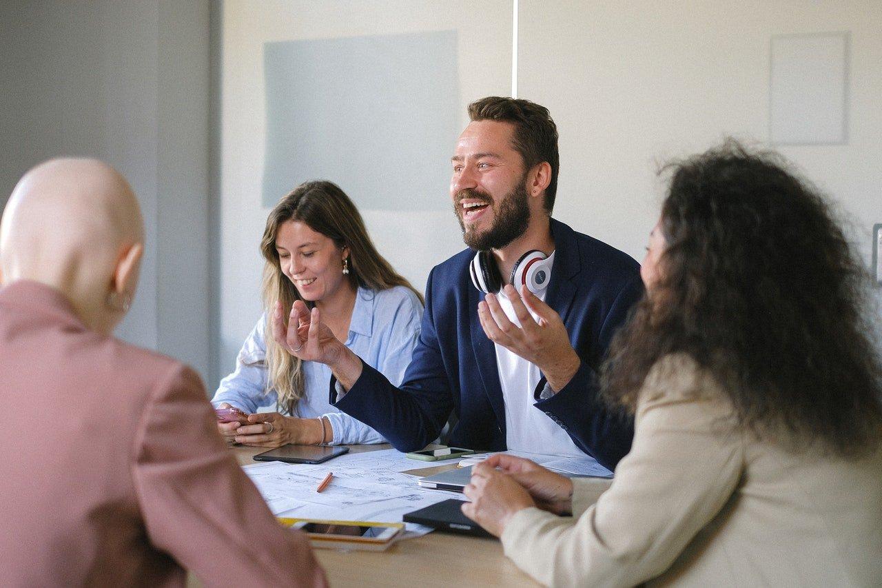 7 métiers de communication à la fin d'une formation