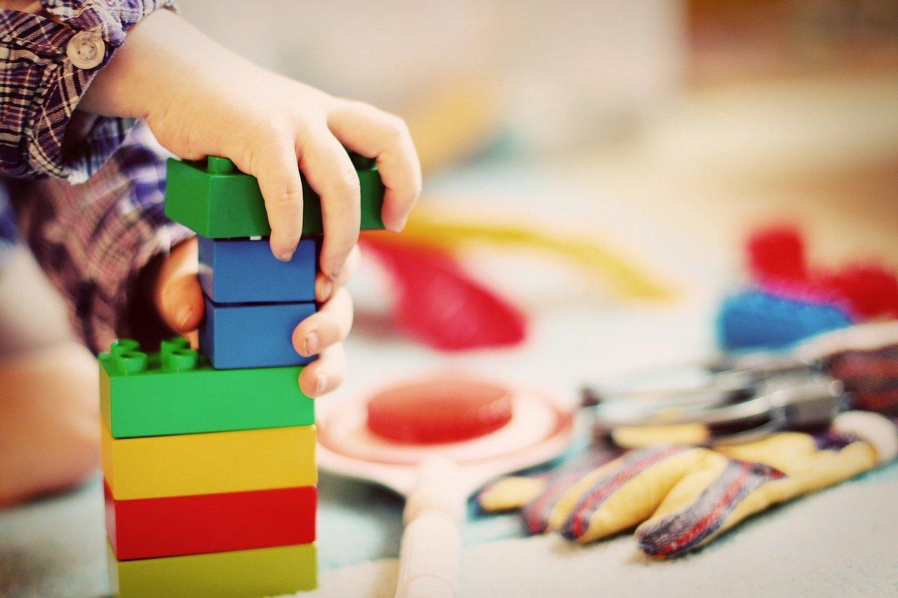 Les critères pour choisir une tour Montessori à votre enfant